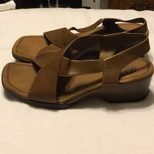 Rockport sandals in soft leather! Classic!